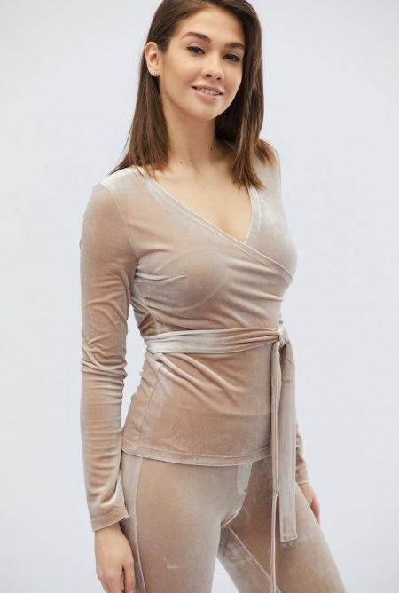 Роскошный костюм из велюра KM-2063-10