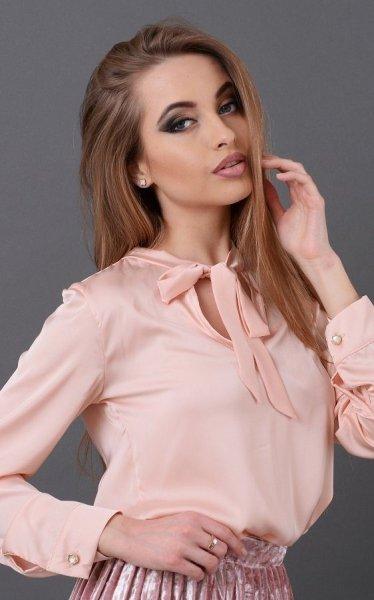 Нежная шелковая блузка розовая