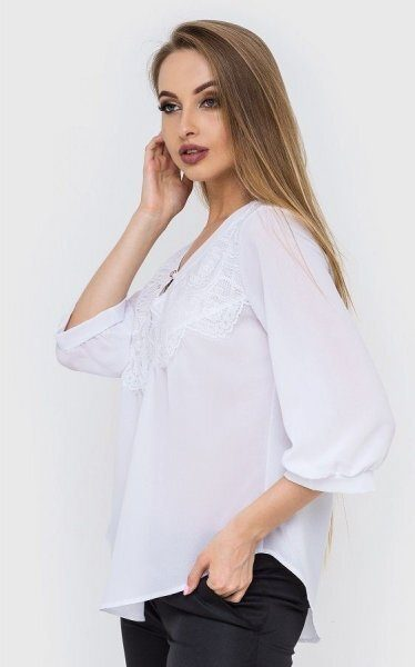 Свободная блузка асимметрия белая