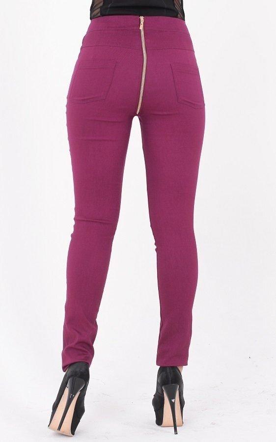 Трендовые джинсы с молнией фиолетовые